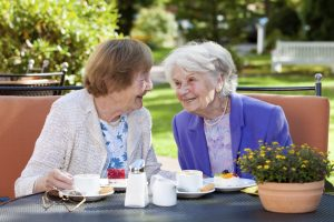 elderly-friendships